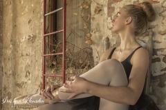 Ballerina - moment van ontspanning -2