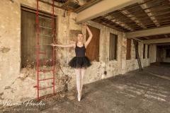 Ballerina - strike a pose - Relevé -2