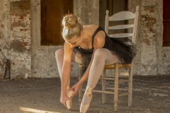 Ballerina - Stretching -2