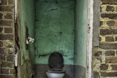 Belgian farm house - Buiten toilet