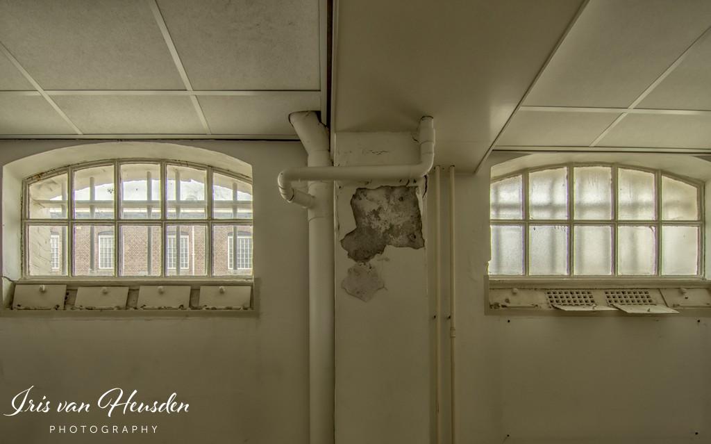 Behind bars - Air conditioning