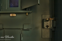 Behind bars - Achter slot en grendel