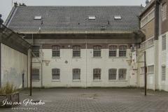Behind bars - Luchtplaats