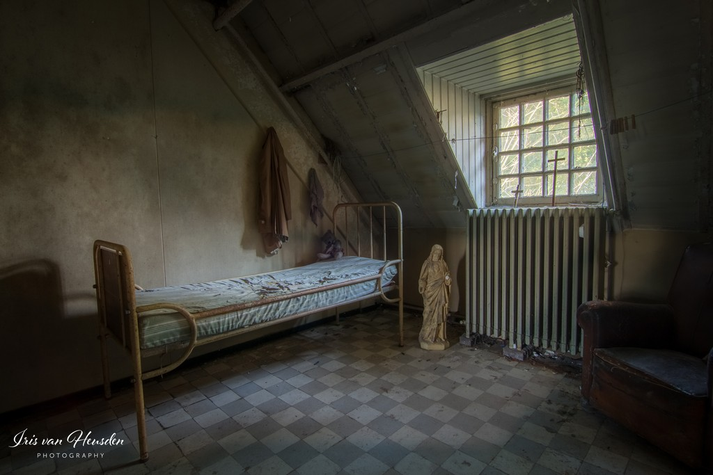 Asylum_8