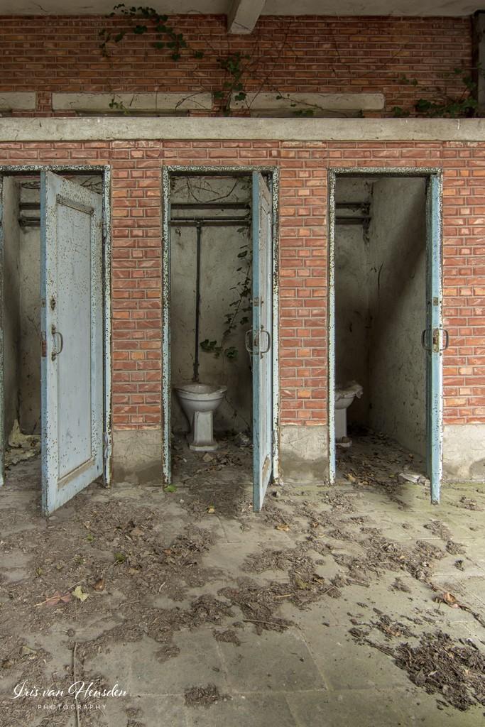 Back to school - Meisjes toilet -2