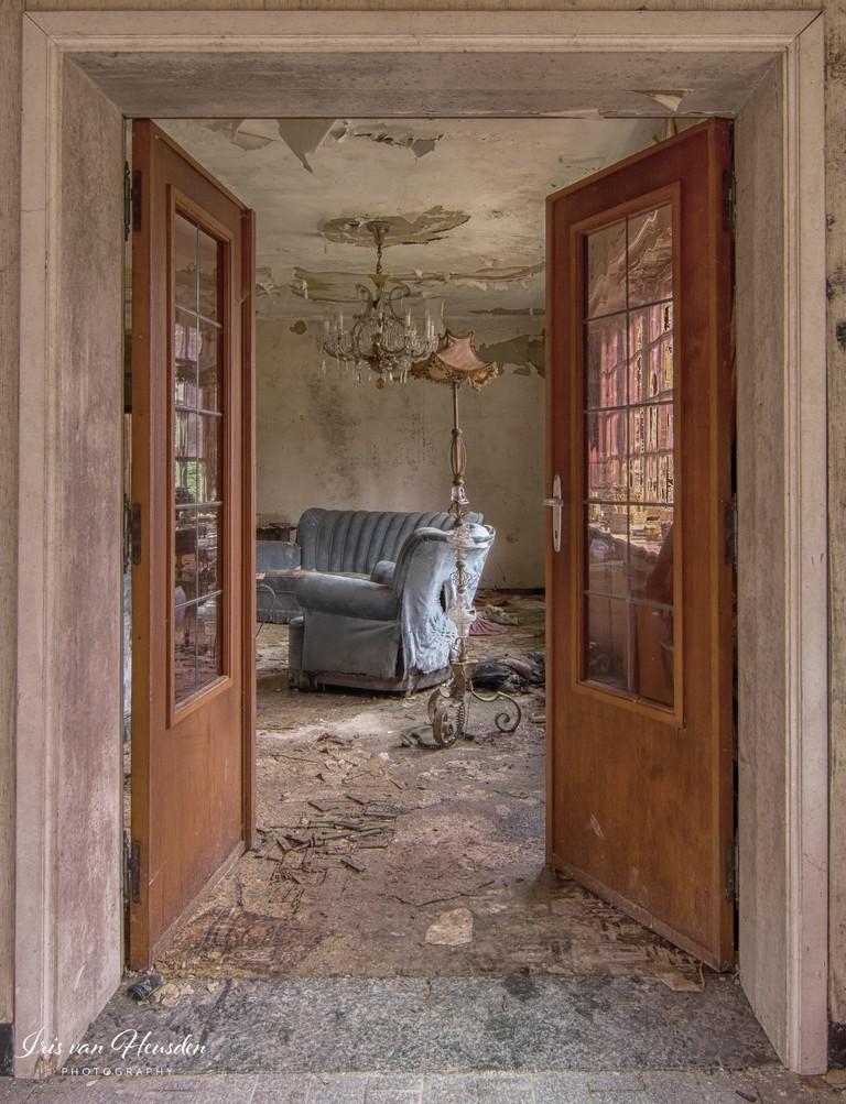 Blue lounge - Doorkijk