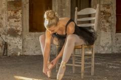 Ballerina - Stretching -2