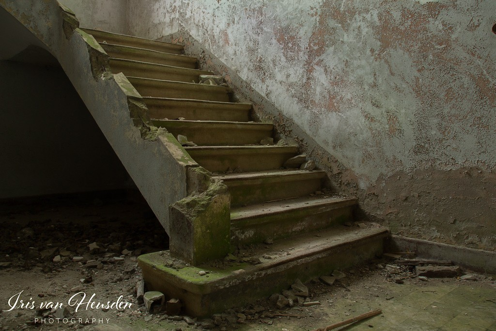 Composé militaire - Some stairs