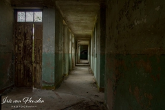 Composé militaire - Barracks hallway