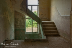 Composé militaire - Lighted stairwell -2