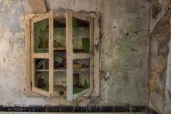Small farmhouse - Cabinet 2